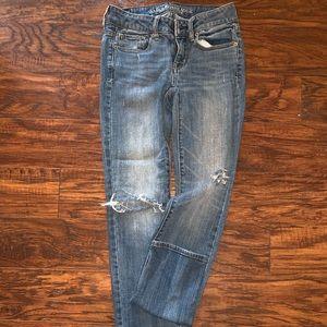 Distressed Skinny stretch jeans